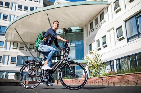 Op zoek naar een elektrische fiets? Wij hebben altijd mooie exemplaren inclusief garantie.